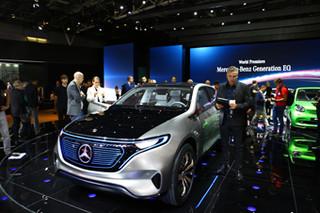奔驰Generation EQ概念车 支持无线充电