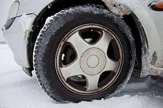 一定要控制好车辆 雪天开车注意事项