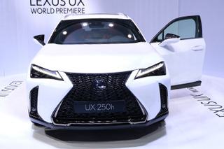 雷克萨斯全新SUV UX亚洲首发 预计年底正式上市